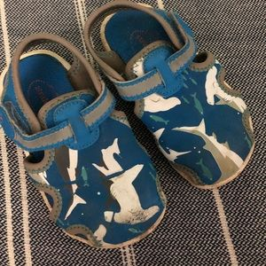 stride rite shark sandals